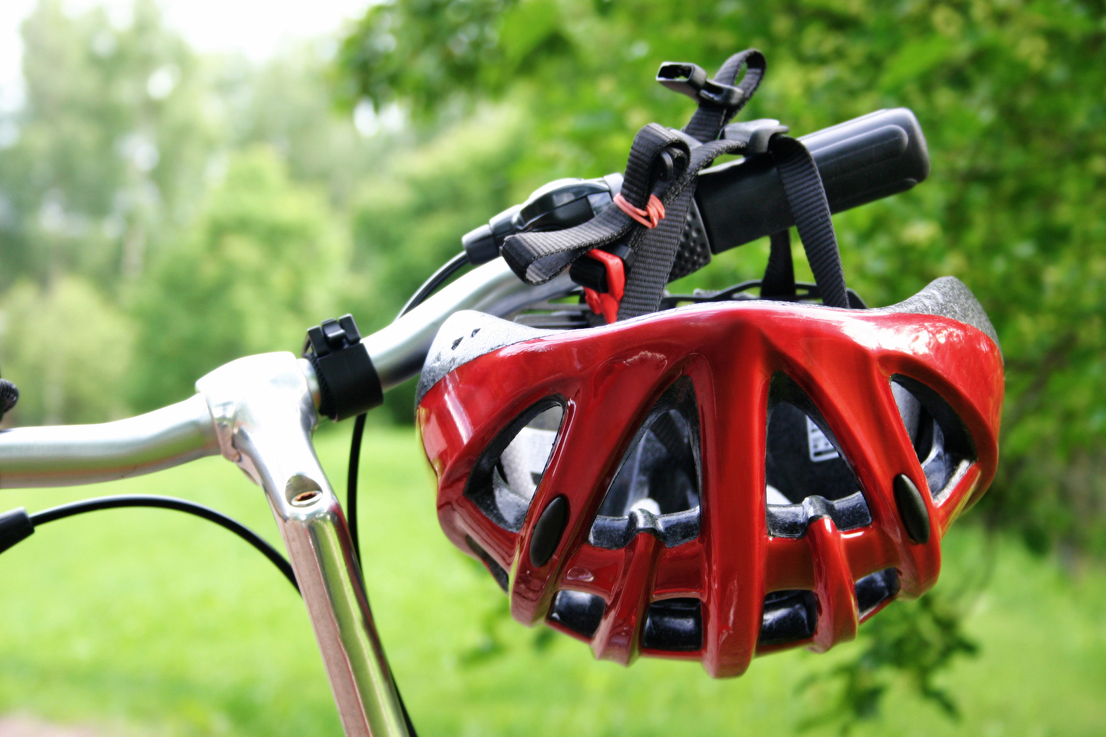 Red-Bicycle-Helmet-Bicycle-Handle