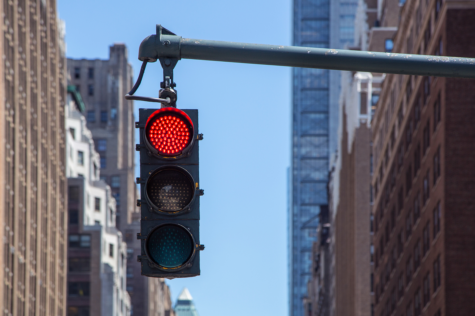 Traffic-Light-Closeup-With-Red-Signal