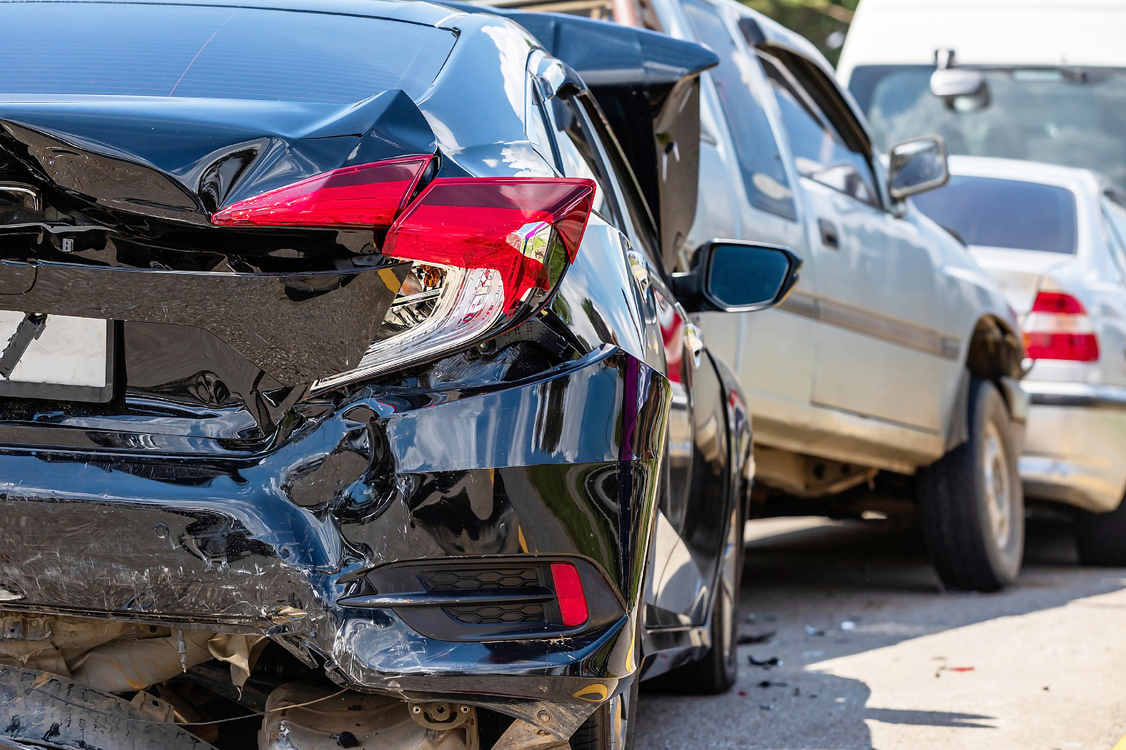 Car-Accident-Involving-Multiple-Cars-on-Roadway